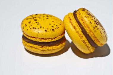 Macarons cu fructul pasiunii