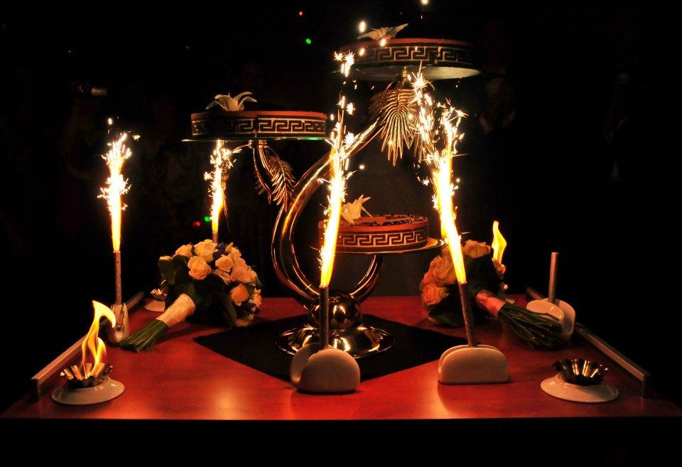 Comanda un tort deosebit si personalizat pentru o nunta ca in vis