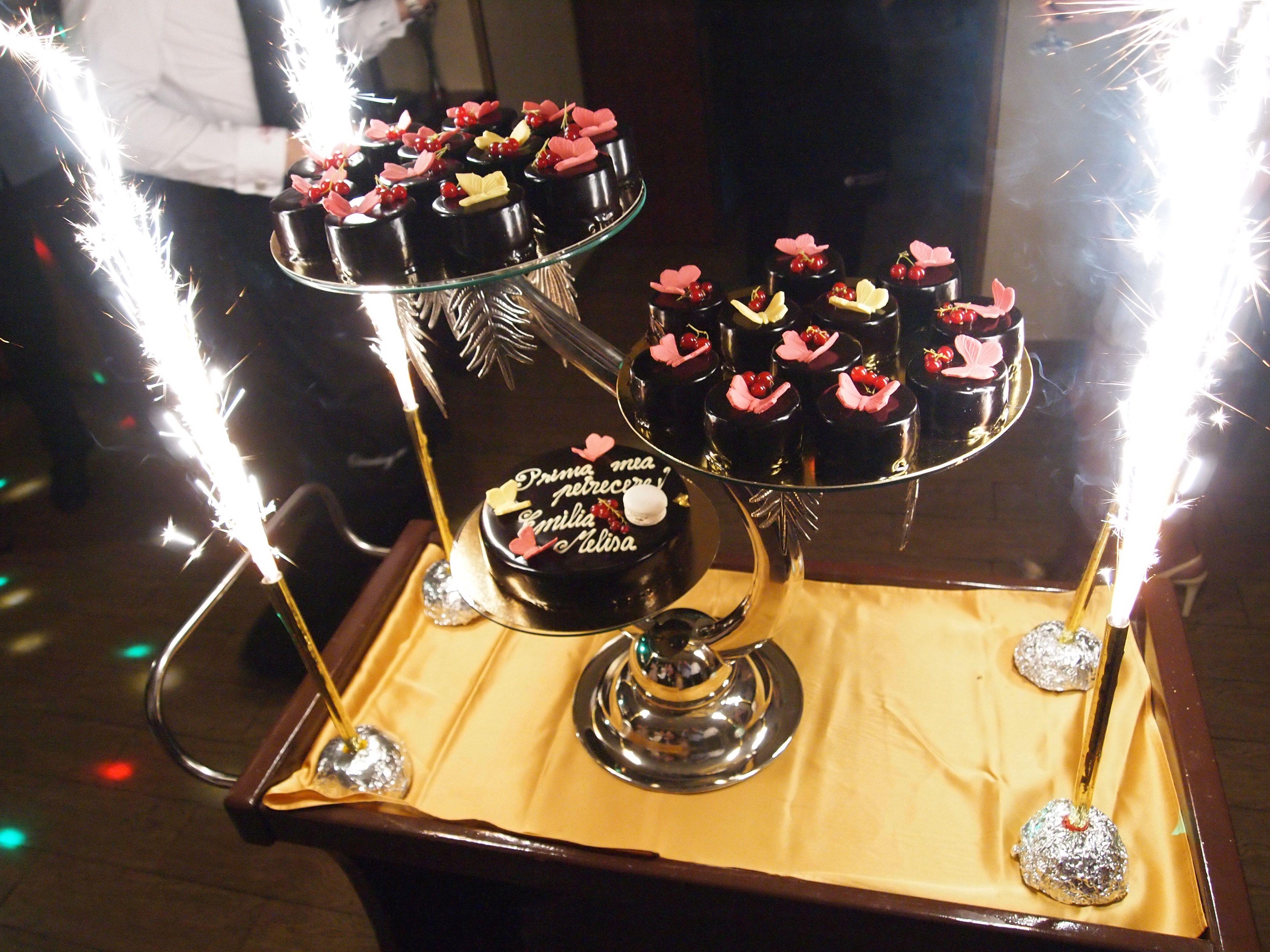 torturi de nunta personalizate si realizate la comanda direct in cofetaria online Armonia